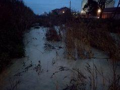 Il fosso della Giustizia a Senigallia ingrossatosi per le piogge