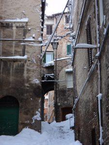 La neve del 2012 in centro storico a Jesi