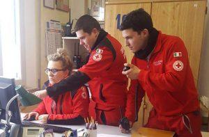 I volontari della Croce Rossa Italiana, comitato di Senigallia, impegnati con l'emergenza neve nella Sala operativa locale