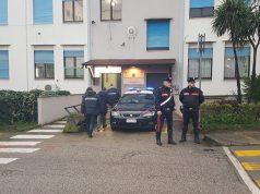 L'avvocato Carradori arrivato in caserma a Giulianova