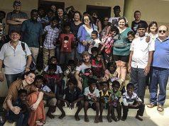 Il gruppo di volontari della onlus di Senigallia Amici di Casa BBL recatosi in India