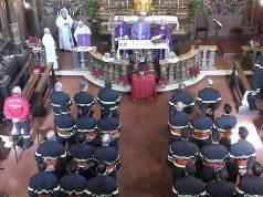 Benedetti gli elmetti di 31 Vigili del fuoco a Senigallia: messa alla chiesa della Croce con vescovo e sindaco