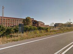 Il complesso industriale ora in degrado ex Montedison, a Falconara Marittima, al confine con Montemarciano