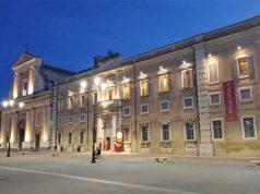 Duomo, pinacoteca e curia della diocesi si affacciano su piazza Garibaldi a Senigallia