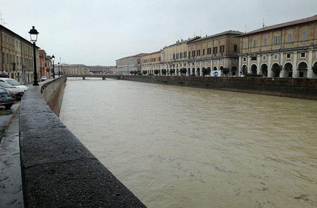 Il fiume Misa a Senigallia e ponte II Giugno