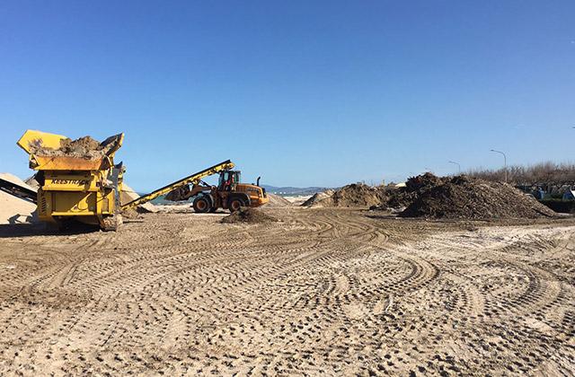 Via libera a ripascimenti e manutenzioni: la spiaggia di velluto può farsi bella