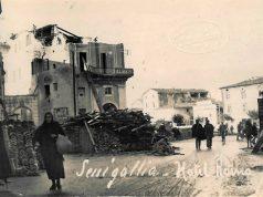 Senigallia: l'albergo Roma e piazza delle Erbe dopo il terremoto del 1930
