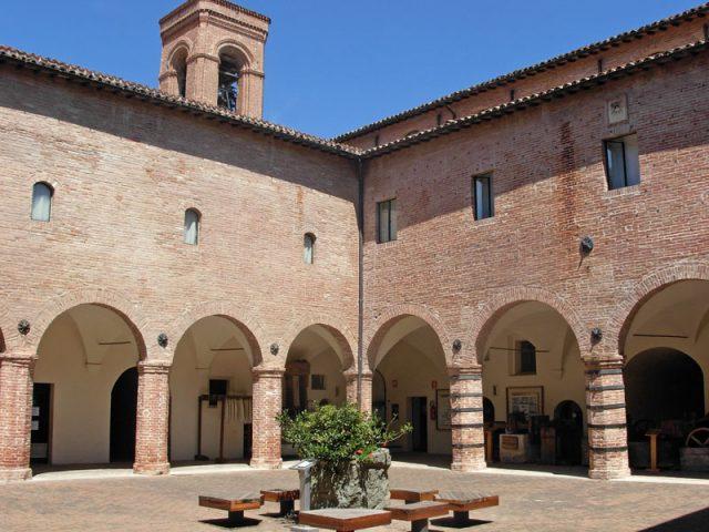 Il cortile del Museo della Carta e della Filigrana (foto tratta da Wikipedia)