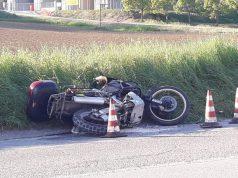 La Honda sul ciglio della strada dopo l'incidente