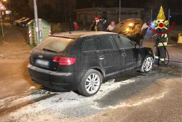 L'Audi che aveva preso fuoco dal vano motore