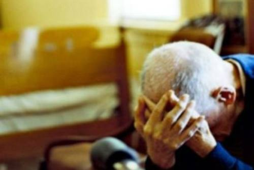 Fano, truffe agli anziani e on line: dalla finta pelle al trattore mai consegnato. Cinque denunce