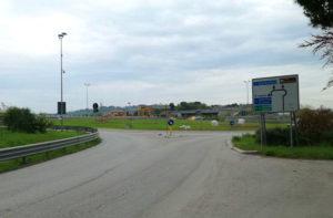I lavori alla rotatoria di via Berardinelli a Senigallia