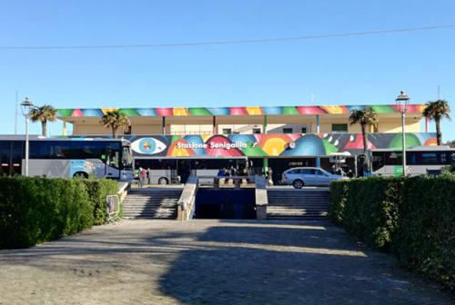 Senigallia, atti osceni in stazione davanti agli agenti: maxi multa