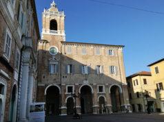 Il municipio di Senigallia in piazza Roma