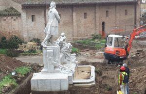 I lavori intorno al monumento a Pergolesi