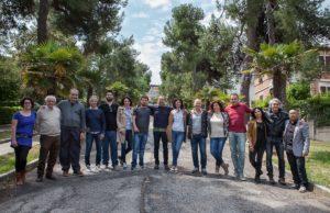 Il candidato sindaco Bruno Frapiccini e alcuni candidati consiglieri del M5S