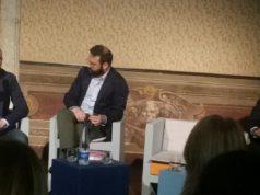 Moris Gasparri in occasione della presentazione del libro a Roma, insieme a Giuseppe De Bellis direttore di Sky Sport e Michele Uva