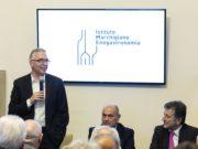Nella foto il Governatore Luca Ceriscioli durante il suo intervento, il sindaco di Jesi Massimo Bacci, il Vice Presidente Istituto Marchigiano di Enogastronomia Antonio Centocanti