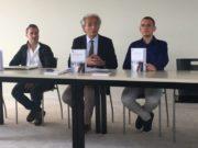 Sauro Longhi durante la presentazione del volume