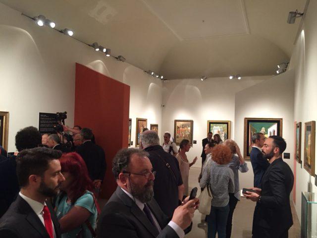 """I celebri """"omini"""" di Keith Haring in mostra a Palazzo Campana di Osimo"""