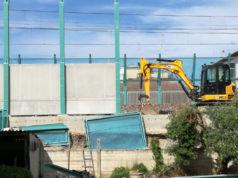 L'installazione delle barriere antirumore in via Perugia, a Senigallia