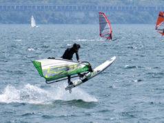 Eugenio Marconi impegnato nel windsurf freestyle