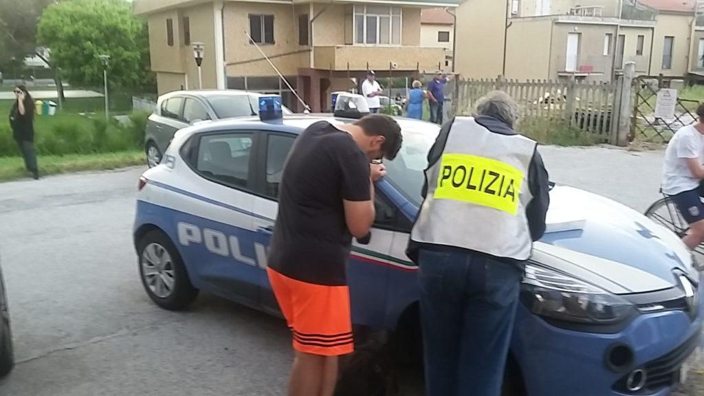 Un testimone del suicidio davanti alla stazione di Marina di Montemarciano