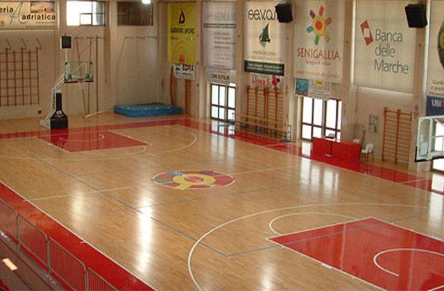 Il Palapanzini, il palazzetto dello sport di via Capanna a Senigallia