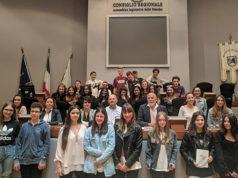 Gli studenti del Panzini di Senigallia in visita al consiglio regionale delle Marche