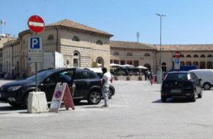 parcheggiatori abusivi a Senigallia