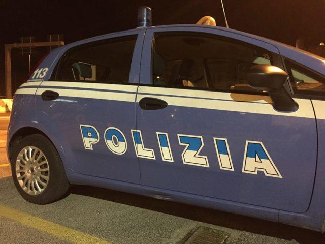 Ancona, esce a notte fonda per «respirare aria pura»: sanzionato