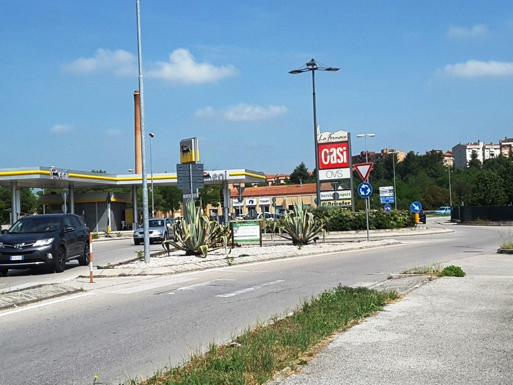 rotatoria via XX Luglia - via Roma