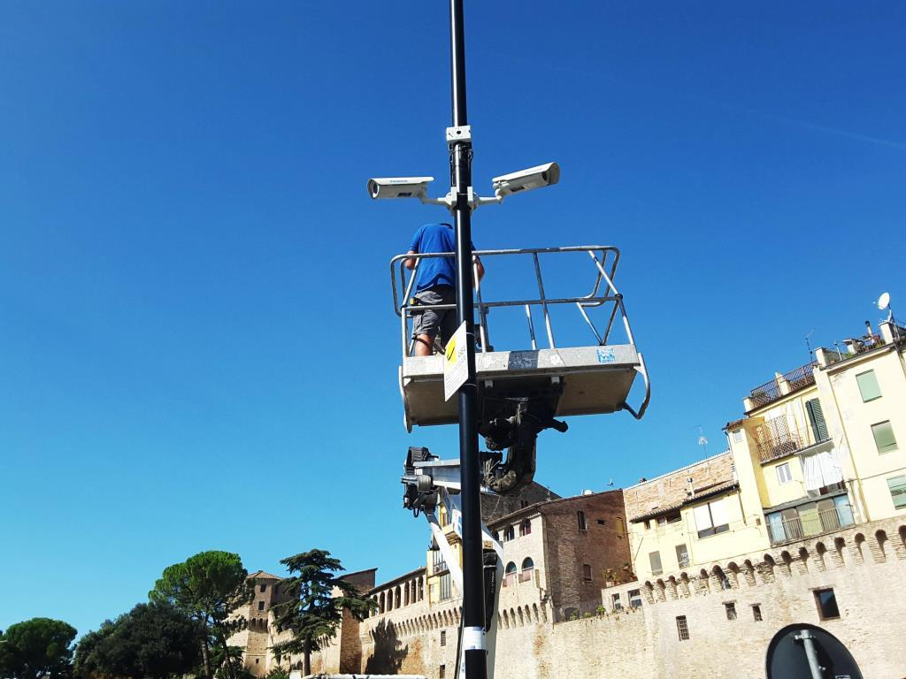 Jesi, videosorveglianza in centro storico: al via i lavori