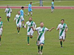 Leo Grazioso esulta dopo il gol contro il Pineto nella scorsa stagione