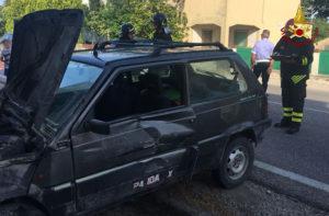 L'incidente avvenuto a San Filippo sul Cesano: soccorsi sul posto