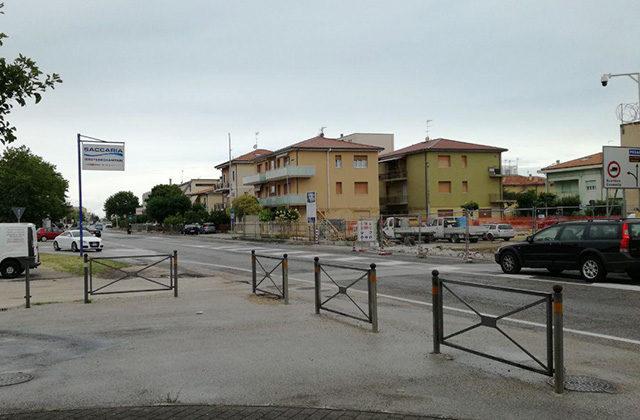 L'incrocio tra la statale 16 e piazzale Michelangelo alla Cesanella di Senigallia