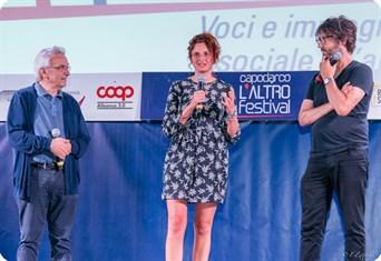 La regista Alice Rohrwacher, ospite della seconda serata del Festival, intervistata dal critico cinematografico Dario Zonta.