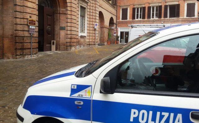 Jesi, i numeri della Polizia Locale: più multe e più incidenti
