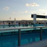 La terrazza con piscina del Raffaello Hotel di Senigallia