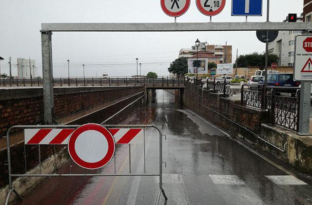 Il sottopasso di via Perilli allagato dopo i temporali e il maltempo