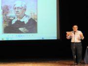 Vittorio Sgarbi a teatro per De Chirico