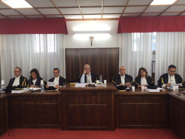 Il collegio per il giudizio di parificazione presieduto dal consigliere Antonio Contu, presidente facente funzioni della Sezione regionale di controllo della Corte dei Conti (al centro)
