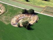 L'anfiteatro nel parco archeologico della Città romana di Suasa