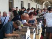 La fiera del disco sotto i portici Ercolani di Senigallia