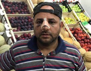 Il fruttivendolo Shehta Gaber Ahmed Ahmed Habib aggredito