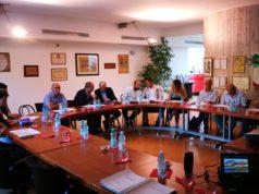 Il tavolo di confronto tra sindaci, imprenditori e organizzatori dello studio