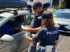 La polizia impegnata nei controlli al porto di Ancona