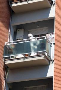 Il sopralluogo dei Ris nell'appartamento in cui è stata trovata senza vita Emma Grilli (foto Binci)