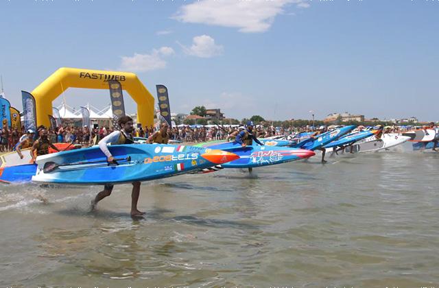 La partenza della gara maschile di sup agli XMasters 2018 a Senigallia