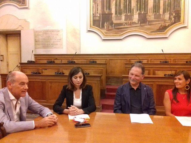 Massimo Bacci, Elena Calabrese, Fabio Gianni e Laura Mazzarini durante la conferenza stampa che si è svolta questa mattina 1 agosto in Municipio
